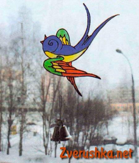 Висяща играчка - птичка.